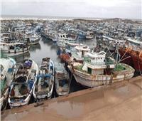 «الأمواج» تتسبب في توقف حركة الملاحة بـ«ميناء البرلس» لليوم الثالث