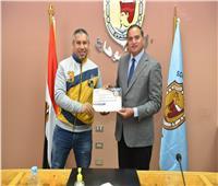جامعة سوهاج تكرم الطلاب المتميزين في النشاط الرياضي