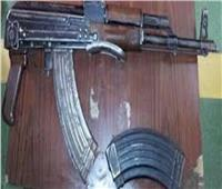 «أمن الجيزة»: ضبط صاحب مصنع طوب في البدرشين بحوزته «بندقيتين آلي»