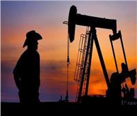 ارتفاع أسعار النفط العالمية لتتخطى 65 دولاراً للبرميل