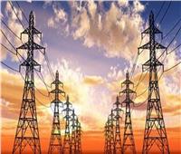 انقطاع الكهرباء عن المنازل بمحيط حريق قرية تندة بالمنيا