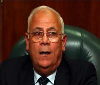 محافظ بورسعيد يلتقي أسر شهداء واقعة «اللنش البحري»