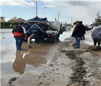 رفع آثار الأمطار في جميع قرى المحلة.. وإزالة الإشغالات