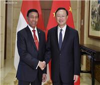 وزيرا خارجية الصين وإندونيسيا يبحثان الوضع في ميانمار