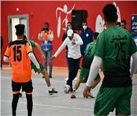 وزير الشباب يشارك في مباراة كرة قدم استعراضية