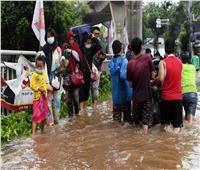 صور وفيديو| فيضانات عارمة تجتاح إندونيسيا