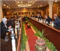 محافظ الغربية يستعرض جهود تنفيذ خطة التطوير في اجتماعه بنواب البرلمان