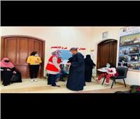 علاج 1990 مواطنًا في قافلة طبية للهلال الأحمر بالأقصر