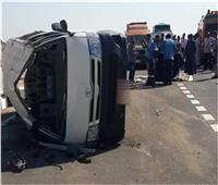 مصرع وإصابة 18 شخصًا في حادث تصادم سيارتي نقل بالمنيا
