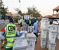 الناخبون يدلون بأصواتهم في الدورة الثانية من الانتخابات الرئاسية بالنيجر
