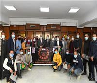 محافظ قنايكرم المشاركين في تجميل كوبري «المعنا»