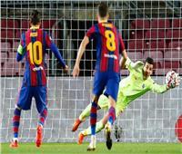 شاهد| ميسي يتقدم لبرشلونة على قادش في الشوط الأول