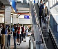 إسرائيل تخفف قيود كورونا بعد تلقيح نصف السكان