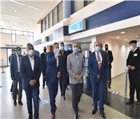 وزير الطيران يتفقد مطار مرسى علم للاطمئنان على الإجراءات الوقائية.. صور