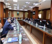 محافظ سوهاج يلتقي أعضاء مجلسي النواب والشيوخ