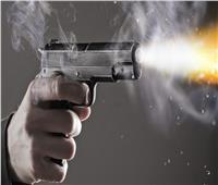 «مُسن» يقتل زوجته ويطلق النار على عنصرين من الشرطة