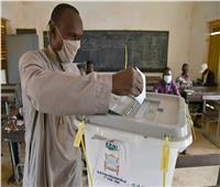 مرشحا الرئاسة في النيجر يدليان بصوتيهما في الانتخابات الرئاسية