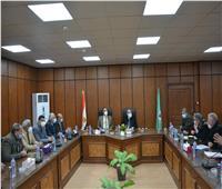 محافظ المنيا يعقد الاجتماع الدوري مع نواب البرلمان ويناقش ملفات هامة