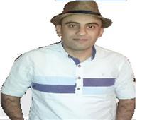محمد القلينى: الجائزة قد تعيد قدم كاتب يائس إلى أرض الكتابة