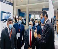 وزير الإنتاج الحربى يستقبل عددا من ممثلي الشركات العالمية في «IDEX 2021»