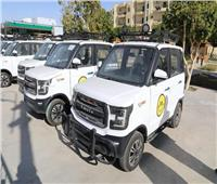 محافظ الوادي الجديد يدشن أول سيارات كهربائية صديقة للبيئة
