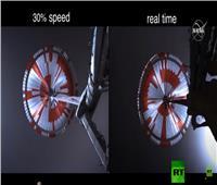 لحظة هبوط المسبار الأمريكي على سطح المريخ | فيديو