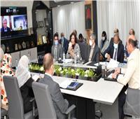 محافظ أسوان يشيد بالتعاون المصرى السويسرى لخدمة المناطق المحرومة بالبنية التحتية