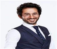 أحمد حلمى  مع دكتور ألفونس على إنستجرام