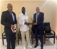 رئيس نادي تونجيث السنغالي: أشجع الزمالك منذ الصغر