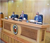 جامعة سوهاج تستعرض دورها في تنفيذ المبادرة الرئاسية حياة كريمة