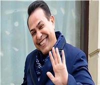 حكيم يحتفل بفريق عمل أغنيته الجديدة «اطلعولي برة»