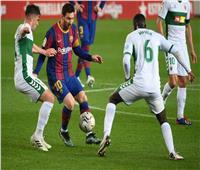 التعادل يحسم الشوط الأول بين برشلونة وإلتشي  فيديو
