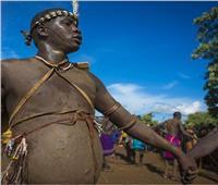 شاهد| بطل الكرش الجميل بإثيوبيا.. غذاؤه دم وحليبويتزوج بـ100 امرأة