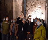 وزيرا الطيران والسياحة يتفقدا أعمال ترميم تمثال رمسيس الثانى بالأقصر.. صور