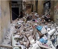 انهيار أجزاء من عقارين بحي الجمرك غرب الإسكندرية 