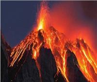 بركان «إتنا» يقذف الحمم في جزيرة صقلية | فيديو
