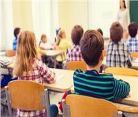 بسبب كورونا.. اضطراب التعليم في أمريكا وتراجع مستوى الطلاب