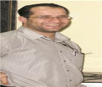 الطبيب المصرى بالكويت:كسر يدى لن يمنعنى من حربى ضد الفيروس القاتل