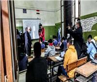 محافظ الجيزة يتفقد المدرسة الثانوية السعيدية في أول أيام الامتحانات