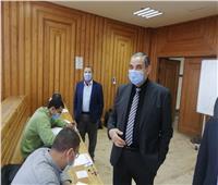 رئيس جامعة كفر الشيخ يتفقد لجان الامتحانات ويشيد بالإجراءات الاحترازية