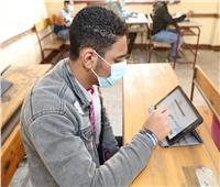 ٦ مشاهد تتصدر أول أيام الامتحانات .. أبرزها «تعطل المنصة الإلكترونية» | صور