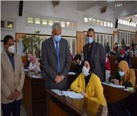 مبارك يتابع بدء امتحانات الفصل الدراسي الأول بجامعة المنوفية  صور