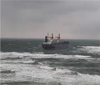 يديعوت أحرونوت: مسئولون يتهمون إيران بتفجير سفينة مملوكة لإسرائيل