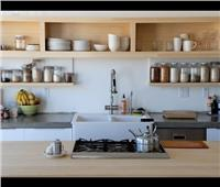 طرق لتطوير مطبخك بـ«رفوف» مميزة وعصرية.. تعرفى عليها