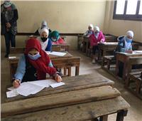 بدء دخول طالبات الصف الثاني الثانوي لتأدية امتحاني اللغة العربية والجبر