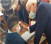 وزير التعليم يجري مكالمة مع تلميذ للاطمئنان على الامتحان  فيديو