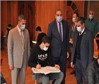 بالصور.. رئيس جامعة كفرالشيخ يتفقد امتحانات الكليات
