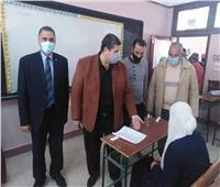 «رضوان» يتابع الامتحانات بمدرسة الشهيد هشام شاهين التجارية بالعريش