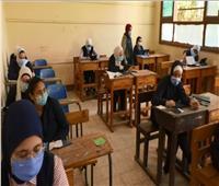 محافظ أسيوط يتابع سير امتحانات الصف الثاني الثانوي