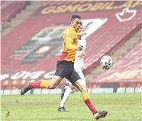 مصطفى محمد يتفوق على دروجبا وفالكاو في الدوري التركي